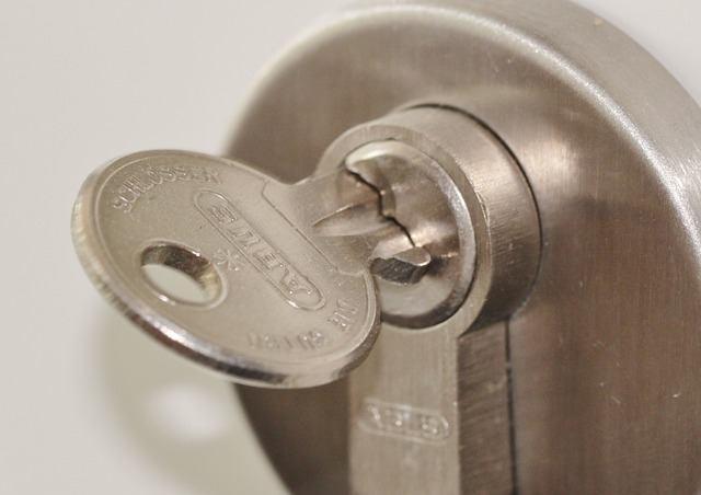 door lock 407427 640 - Cambiar Cerraduras Burgos Reparacion Cerraduras Burgos