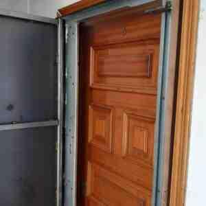 woo1 300x300 - Puertas Antiokupa con Servicio de Instalacion